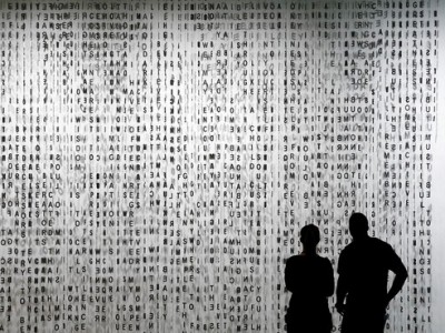 'Whispering' is a curtain of stainless steel letters created by Jaume Plensa for the Cleveland Clinic. The Cleveland Clinic Center for Medical Art & Photography