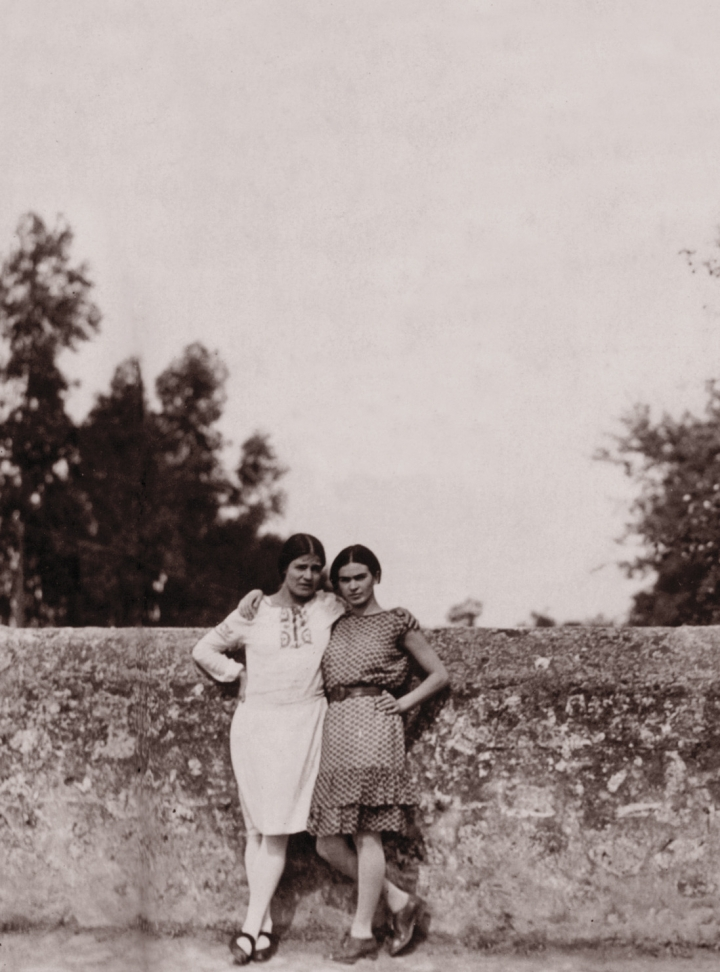 The Art and Friendship of Frida Kahlo and Tina Modotti in a